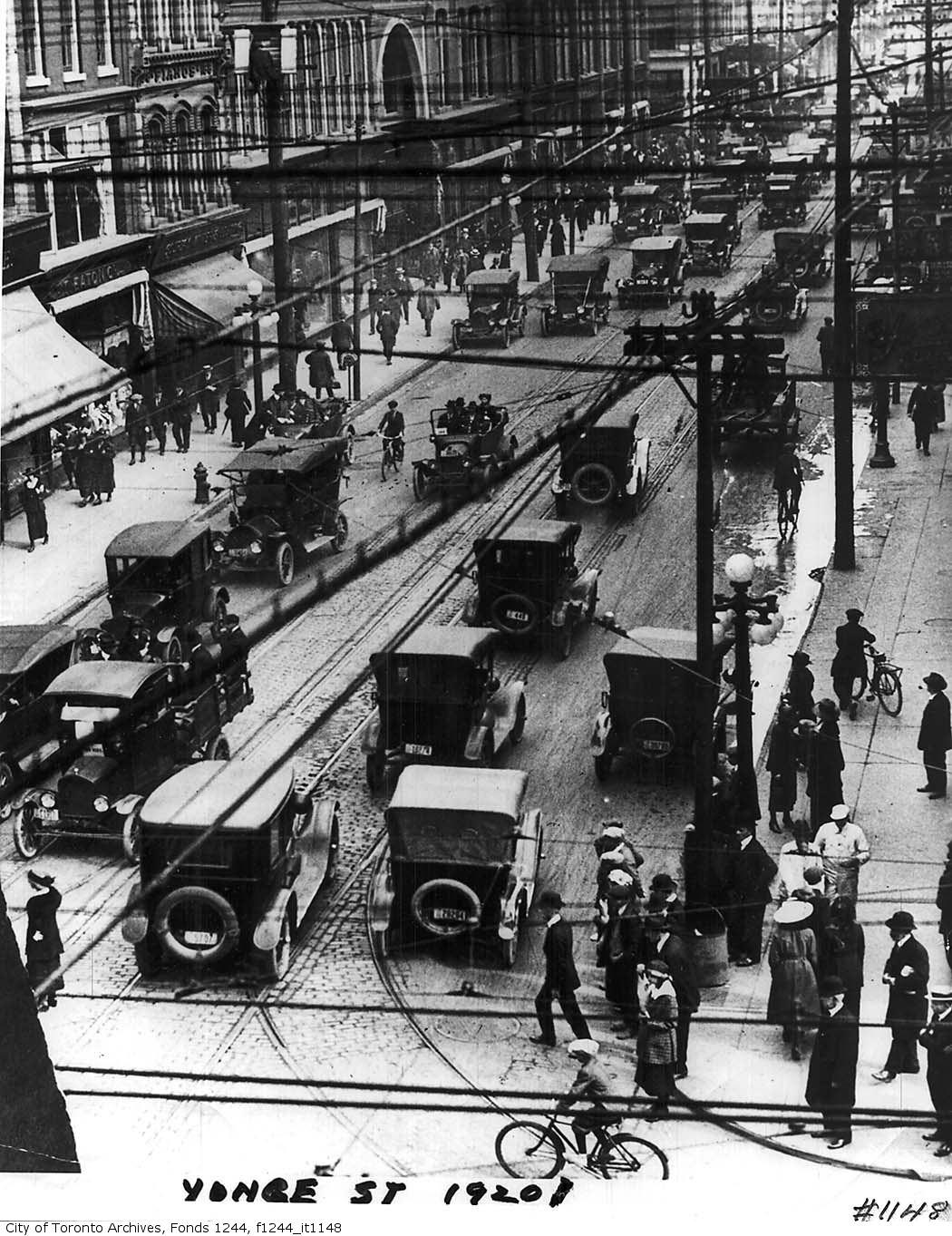 [RECURSOS] Fotos de Chicago (o lugares parecidos) en los años 20 19178d1259925195-chicago-1920s-gangland-map-con-1920streetcatstrikeyongenu1